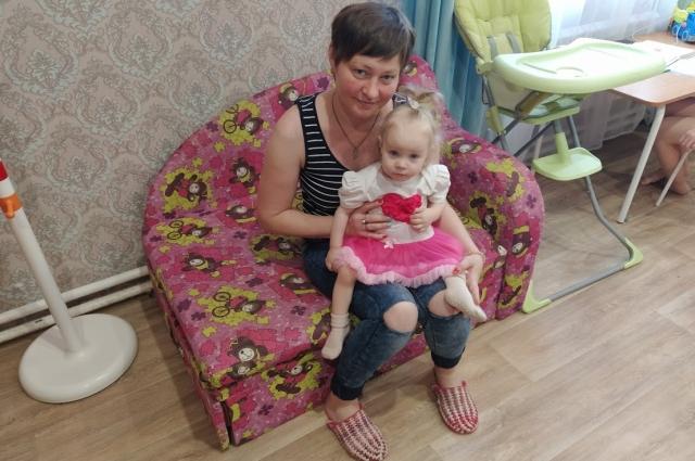 Ане из Екатеринбурга красноярские врачи пообещали вылечить дочку.