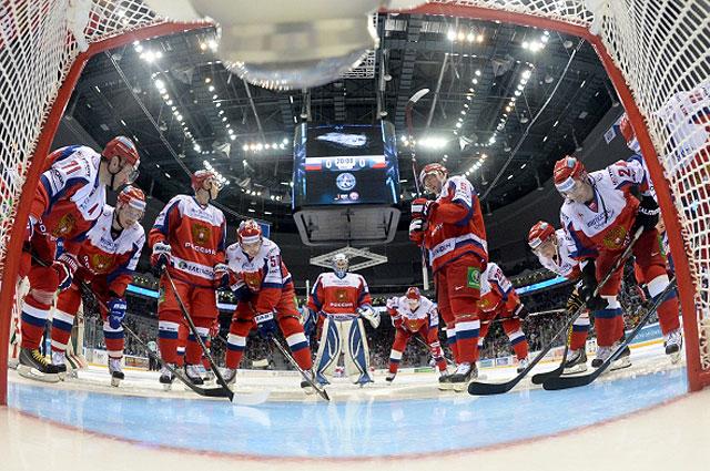 Игроки сборной России перед матчем третьего этапа Еврохоккейтура в Сочи со сборной Чехии