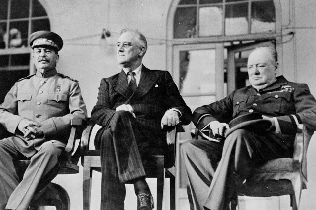 Сталин, Рузвельт и Черчилль в Крыму во время Ялтинской конференции 1945 года.