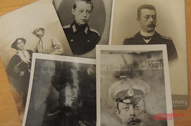 У Николая Крылова сохранилось много фотографий деда