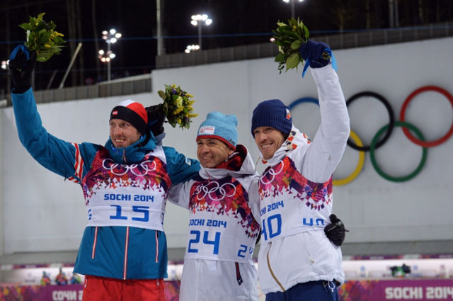 Призёры спринтерской гонки на соревнованиях по биатлону среди мужчин: Доминик Ландертингер (Австрия) серебряная медаль, Уле-Эйнар Бьёрндален (Норвегия) золотая медаль, Ярослав Соукуп (Чехия) бронзовая медаль