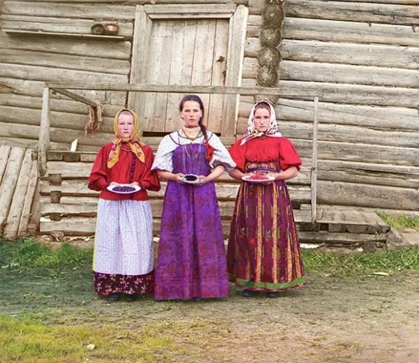 Крестьянки в деревне Горицы, 1909 год