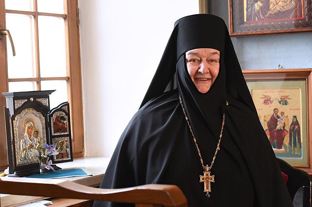 Настоятельница Свято-Никольского Черноостровского женского монастыря игумения Николая.