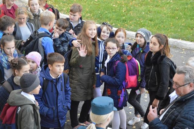 Омские школьники пришли на урок гражданской обороны.
