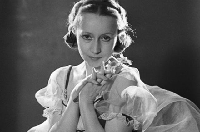 «Обыкновенная богиня» - так называл ее Сергей Прокофьев, добавляя, что она «гений русского балета, его неуловимая душа».