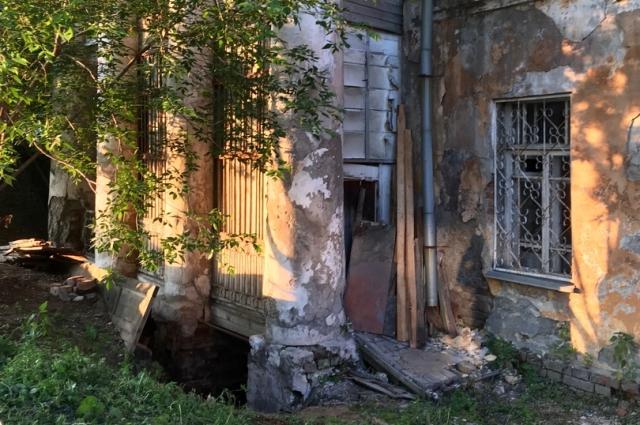 Дом Рязановых сейчас в плачевном состоянии, нужна помощь активистов, экспертов и властей.