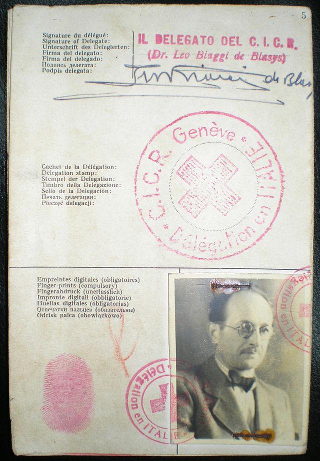 Удостоверение Красного креста Эйхмана, выданное на имя Рикардо Клемента