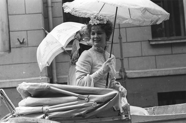 Людмила Нильская в фильме «Бешеные деньги», 1981 год