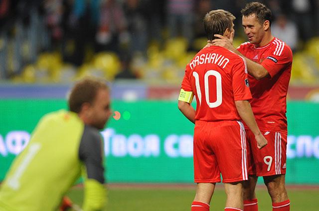 Андрей Аршавин и Александр Кержаков в сборной России, 2011 г.