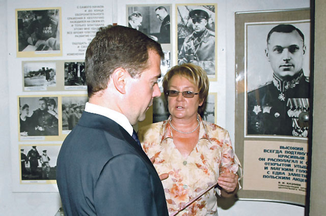 20 000 человек в год посещают блиндаж Рокоссовского.