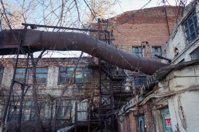 От Челябинского завода оргстекла, к сожалению, остались лишь развалины.