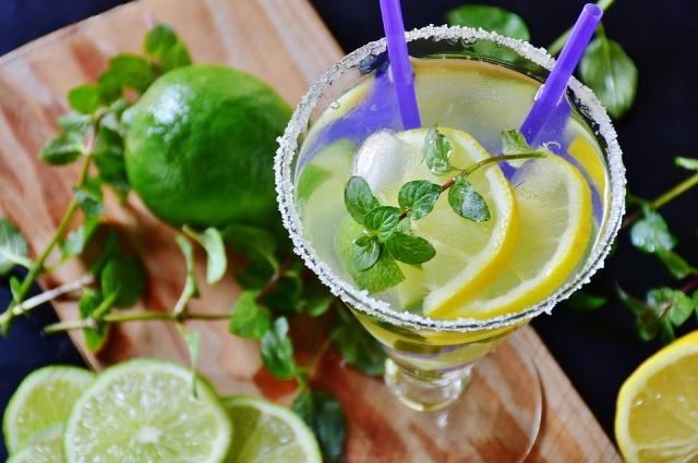 Имбирно-цитрусовый коктейль снимет стресс и поможет пищеварению.