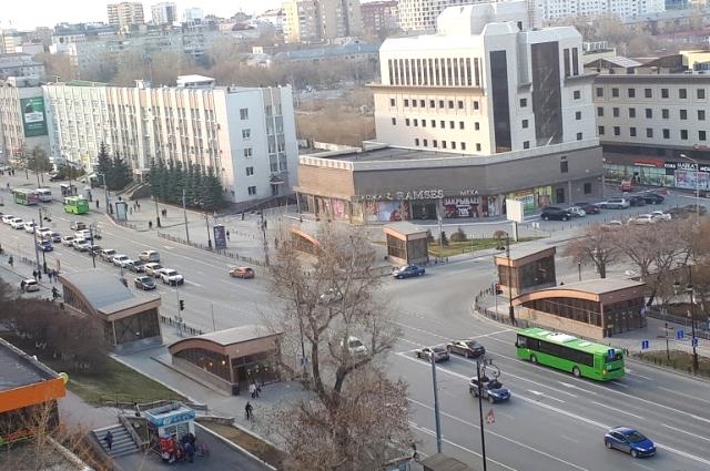 Центральная улица, Республики.
