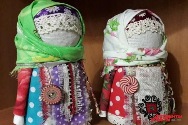 Славянские куклы бывают обрядовыми, игровыми и оберегами.