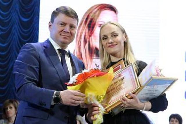 Победителем муниципального этапа конкурса «Учитель года» стала учитель русского языка и литературы гимназии № 10 Елена Пастарнакова.