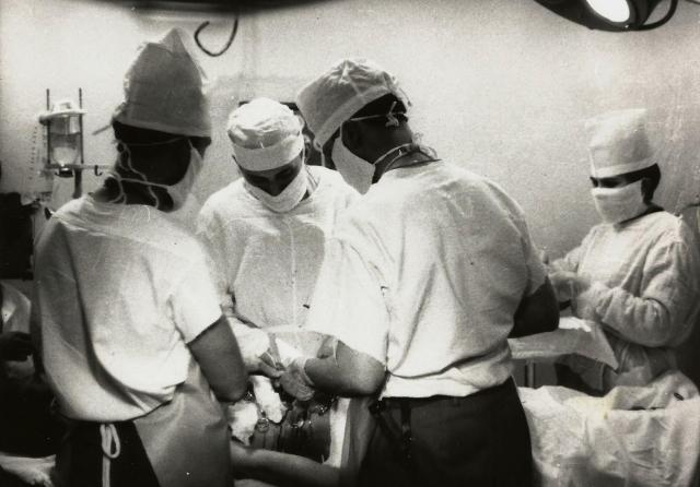 Доктор Огарков в Грозном оперировал в подвале республиканской больницы. Над головой медиков рвались снаряды...