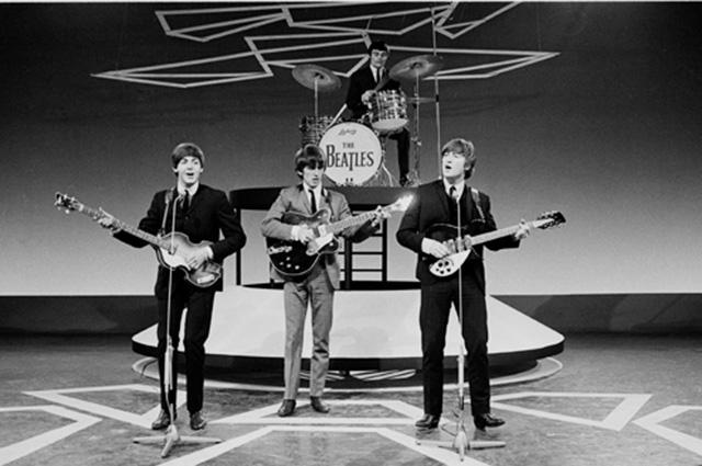 Маккартни, Харрисон, Леннон и Никол в Нидерландах. 1964 г.