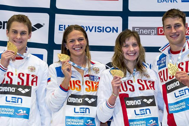 Команда сборной России по плаванию в комбинированной эстафете