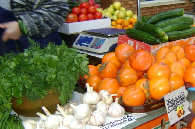 Цены на овощи и фрукты на донских рынках тоже кусаются