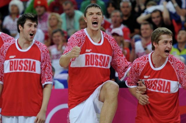 В сборной России Семен Антонов стал бронзовым призером Олимпйиских игр 2012 и Евробаскета 2011.