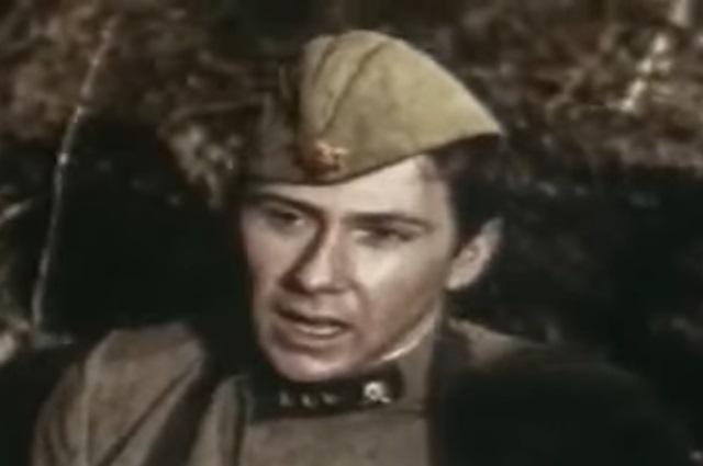 «Приглашение в Одессу принимаю, но только после Берлина», - такую фразу говорит герой актера в фильме.