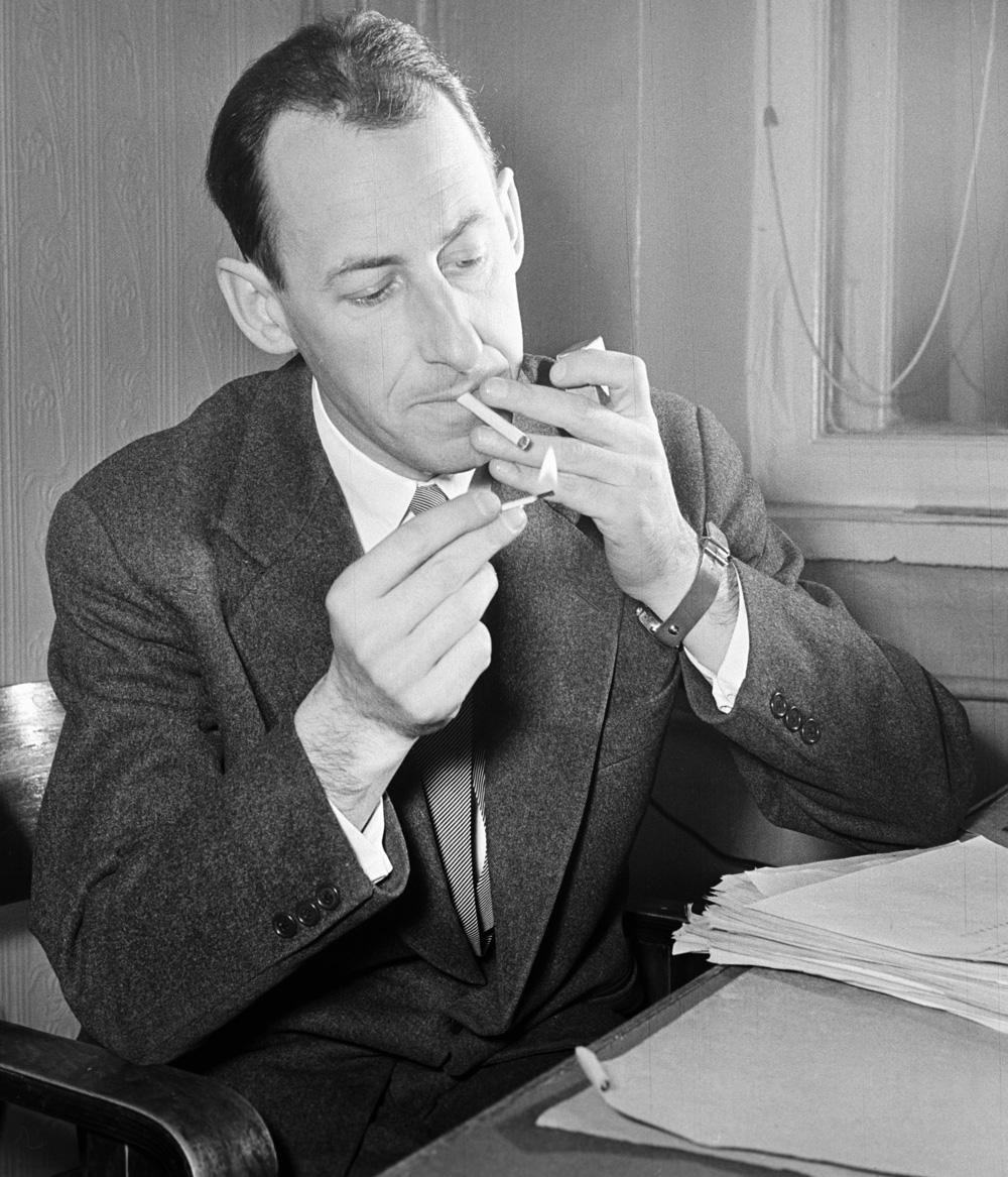 Кинорежиссер Владимир Басов. 1957 г.