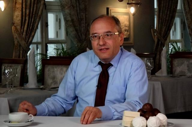 Автор книг о национальной кулинарии Павел Сюткин.
