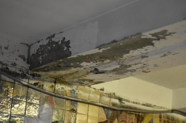 Подземный переход давно пора качественно отремонтировать.