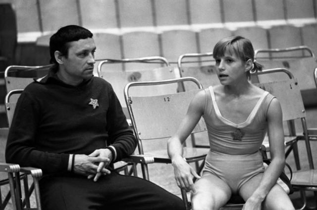 Ренальд Кныш и Ольга Корбут, 1970 год.