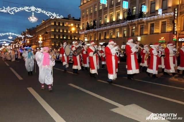 Жителей города поздравят снеговики и другие помощники Деда Мороза.