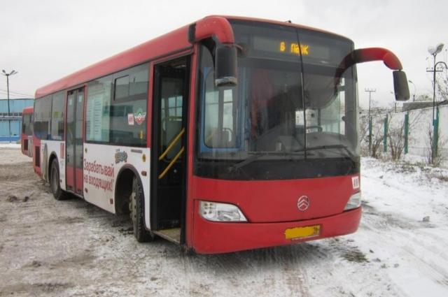 В результате последней реформы в Казани появились красные автобусы.