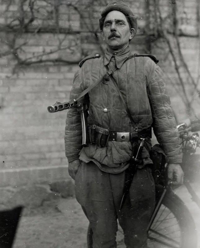 Неизвестный солдат. Именно таким поисковики представляют Ивана Слабунова.
