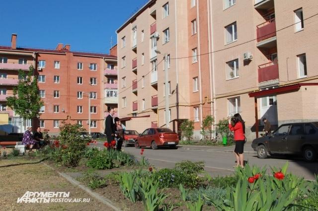 Супруги Доценко приобрели квартиру на федеральную субсидию в новом доме Новошахтинска.