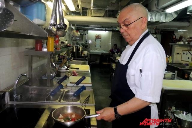 По словам итальянского ресторатора, готовить он любит с юности.