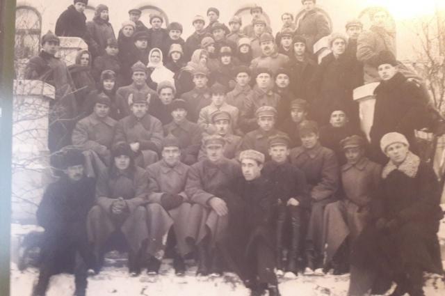 Сотрудники оперсектора ОГПУ, 1930 г. Из архива УФСБ РОссии по Омской области.