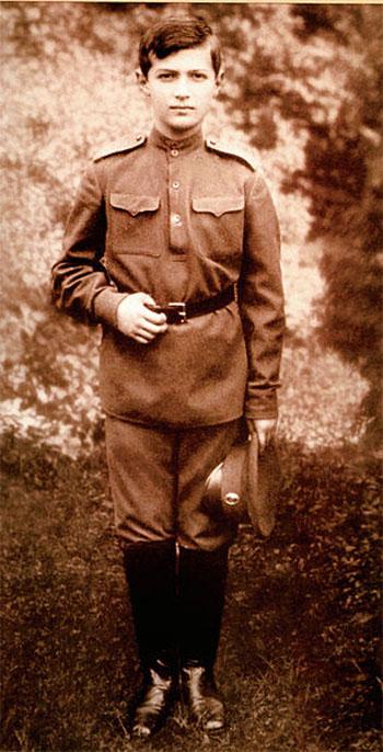 Ефрейтор Русской армии Алексей Романов. 1916