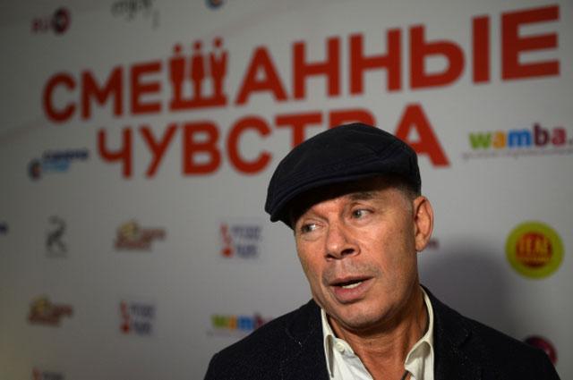 Певец Олег Газманов на премьере фильма Смешанные чувства