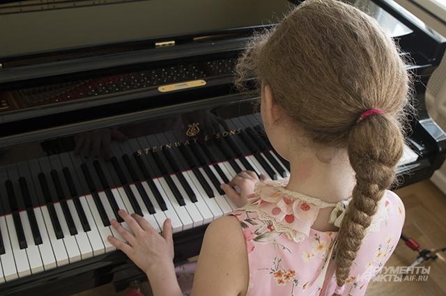 Ребёнка «в музыку» надо отдавать ещё до школы.