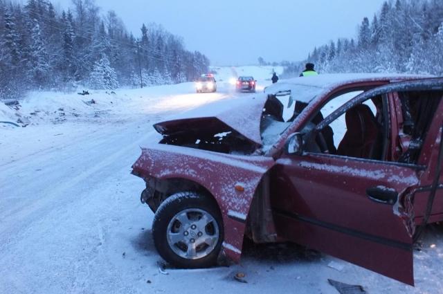 В страшной аварии после Нового года погибли беременная женщина и 4-летний мальчик.