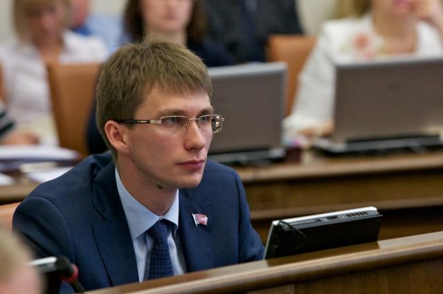 Седов получил три года реального срока за получение взятки.