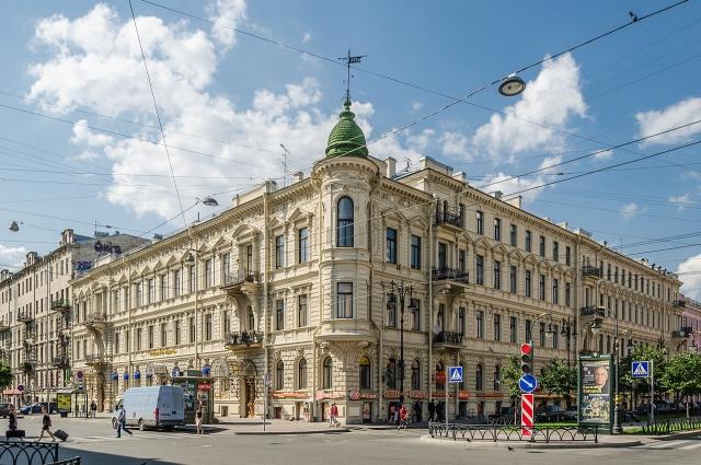 Улица Чайковского, дом 38 (доходный дом П. П. Вейнера) в Санкт-Петербурге.