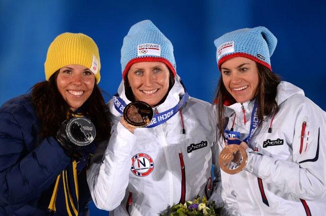 Призёры скиатлона на 7,5 км классическим стилем и 7,5 км свободным стилем в соревнованиях по лыжным гонкам среди женщин: Шарлотта Калла (Швеция) серебряная медаль, Марит Бьерген (Норвегия) золотая медаль, Хейди Венг (Норвегия) бронзовая медаль