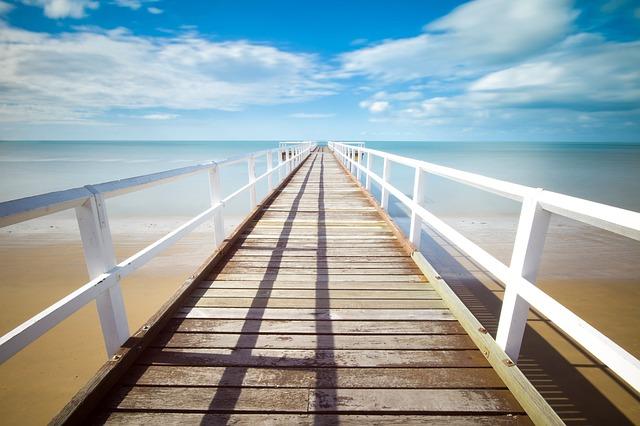 Чистые пляжи и море - приоритет для многих туристов.