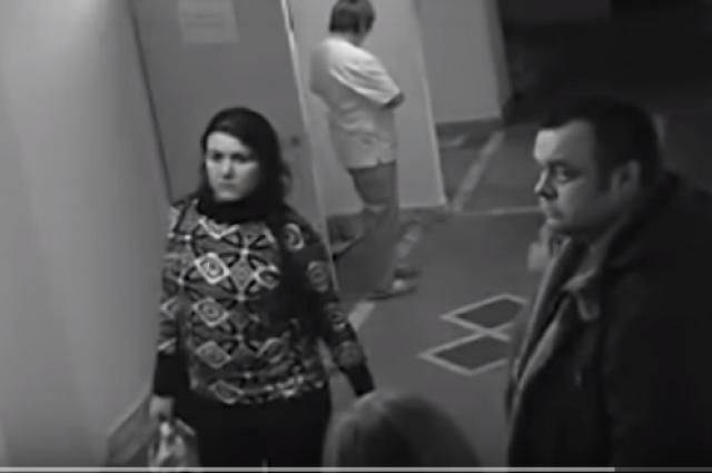 Злоумышленница попалась на камеры видеонаблюдения.