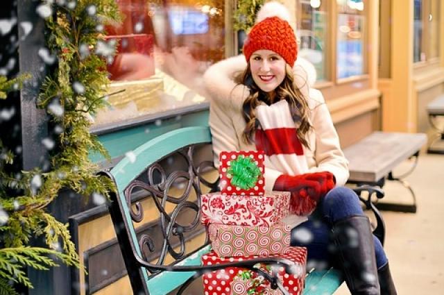 Такого праздника, когда покупают подарки всем и все, в году больше нет.