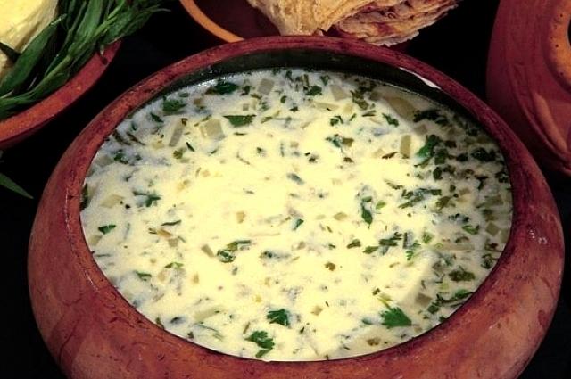 Армянский суп спас подают как холодным, так и горячим.