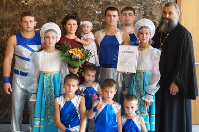 Многодетная семья Корнеевых