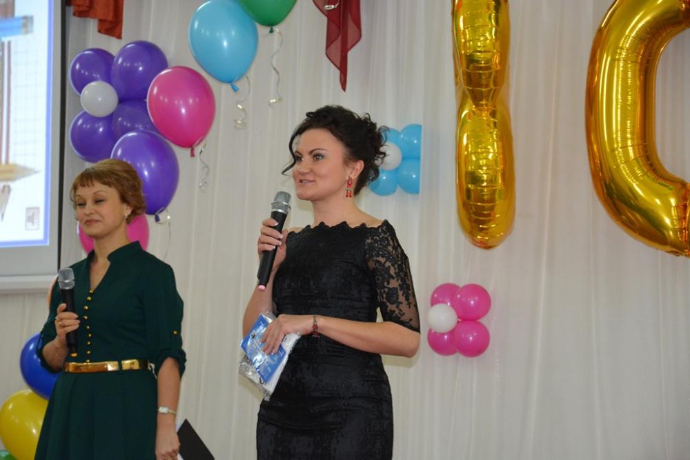 Андрей Шевченко поздравил с юбилеем школу №56.