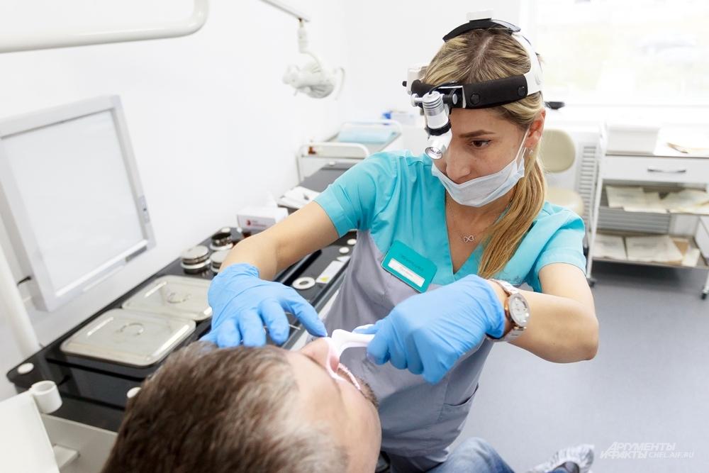 Медики постоянно повышают квалификацию, чтобы оказывать пациентам качественные услуги.