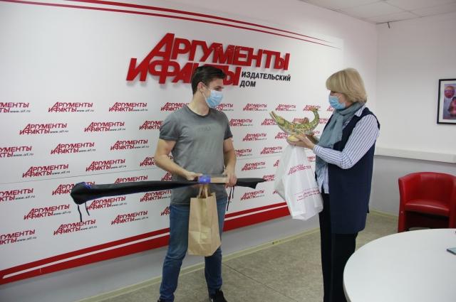 Награждение Виктора Дрокова.